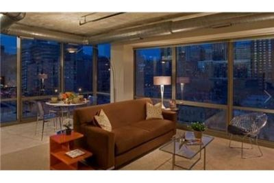 This fabulous modern 1BD bedroom apartment has fabulous touches. Single Car Garage!
