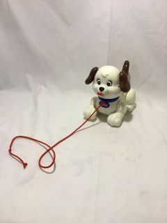 Fisher-Price pull along and play puppy p4