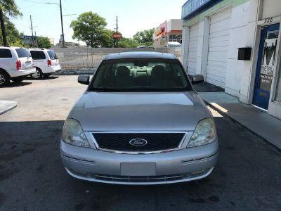 2005 Ford Five Hundred SEL ()
