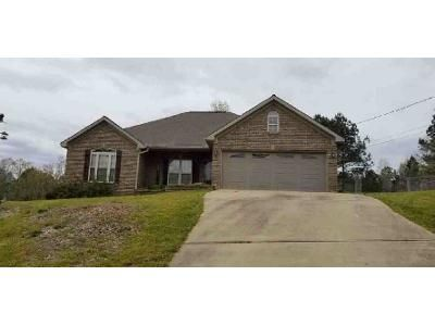 4 Bed 2 Bath Foreclosure Property in Ralph, AL 35480 - Wells Creek Ln