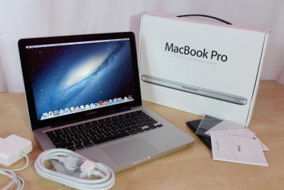Original Apple MacBook Pro 15 Retina 2.5Ghz i7 16GB 512GB