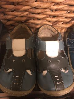 Livie & Luca Toddler size 7 shoes