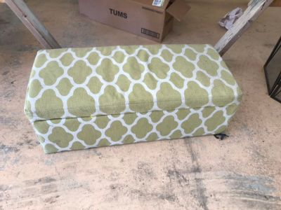 Foot ottoman with storage