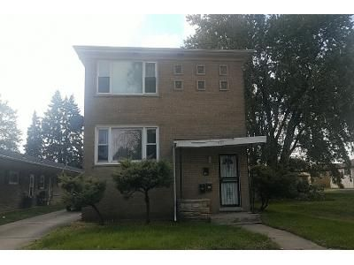 4 Bed 2 Bath Preforeclosure Property in Calumet City, IL 60409 - Sibley Blvd