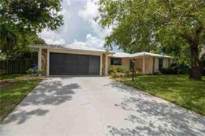 """1507 Clearbrook Street Sebastian Two BR, """"On Vacation"""" in your"""