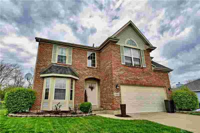 915 Bakersfield Court MIAMISBURG Four BR, Move-in ready brick