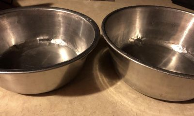 2 Large used stainless steel pet dishes Swap Sam s