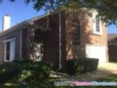 Beautiful garden home located in Euless, TX