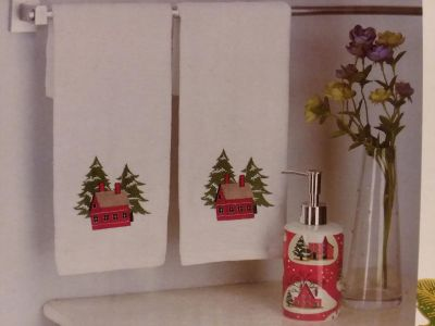 Gift set - 2 holiday towels with soap dispenser new in box