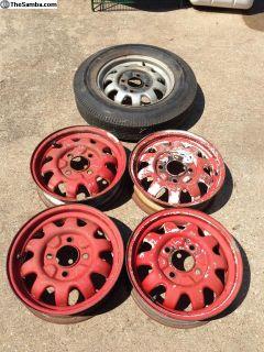 5 Marathon wheels and 3 center caps