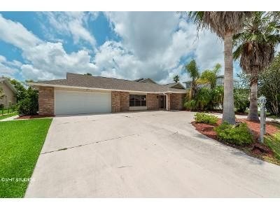 3 Bed 3 Bath Foreclosure Property in Palm Coast, FL 32137 - Cloverdale Ct S