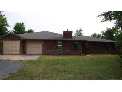 4 Bed 2 Bath Foreclosure Property in Oaks, OK 74359 - E 573 Rd