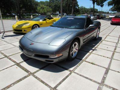 2004 Chevrolet Corvette Base (Gray)