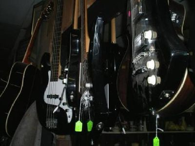 $139 Acoustic and Electric Guitars and Bass Guitars 50 in Stock