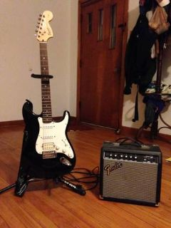 Fender Squier Strat (black) with 15 Amp-Great Starter Guitar