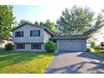 VERY CLEAN and UPDATED, Large yard with great deck and patio!