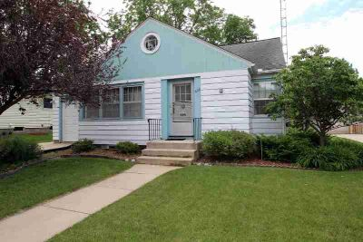 428 E Dodge ST Jefferson Two BR, A great place to start!