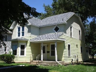 3 Bed 2 Bath Foreclosure Property in Liscomb, IA 50148 - State St