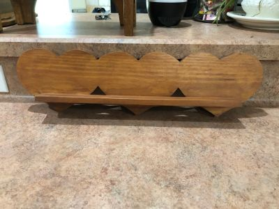 Solid wood heart shelf 18 x 5 -(b70)