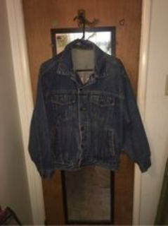 men s / ladies jean jacket Vintage( over 25 yrs) large