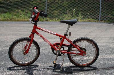 Schwinn Gremlin 16 Kids Bike w/ Training Wheels