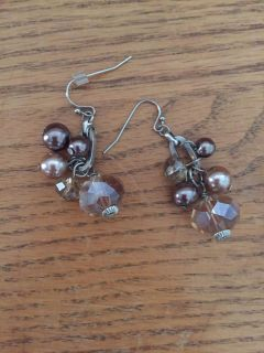 Adorable earrings! Great for the holidays!