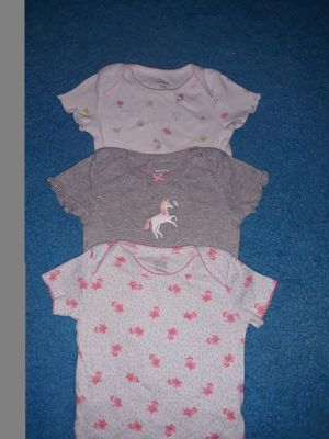 ( 3 ) Carter's brand 9 months Unicorns theme good conditions onesies SERIOUS BUYERS ONLY