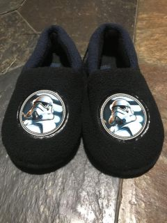 Star Wars slippers, size 9/10