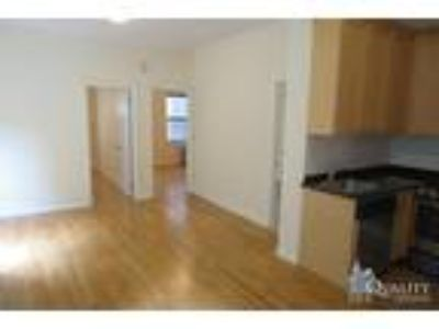Grand St & Mott St* Huge Sunny Renovated* Queen Size Beds* Closet Space*