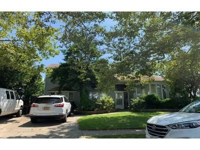 3 Bath Preforeclosure Property in East Meadow, NY 11554 - Cadillac Dr
