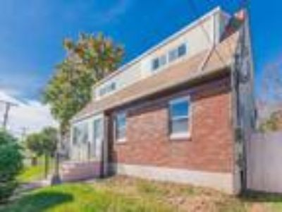 Grant City Real Estate For Sale - Five BR, Three BA Colonial
