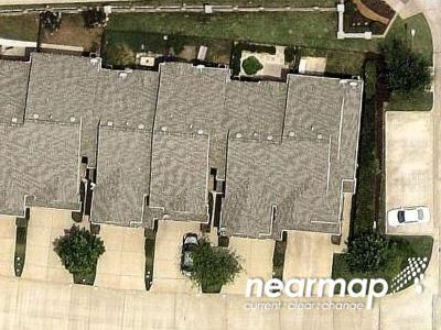 2 Bed 2.5 Bath Preforeclosure Property in Richardson, TX 75081 - Gray Stone Ln