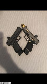 For Sale: FS/FT 2 g19s with rmr **not mos**