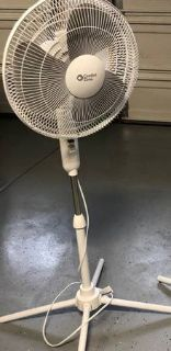 "16"" Oscillating Pedestal Floor Fan"
