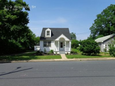Recently Renovated 3 Bedrooms And 1.5 Bathrooms Located In Susquehanna Township