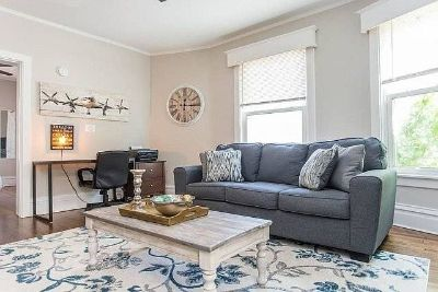 $2800 2 apartment in North Suburbs
