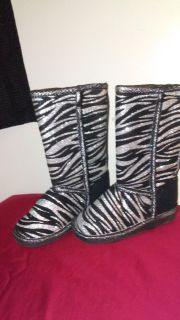 Child boots size 10 in childs