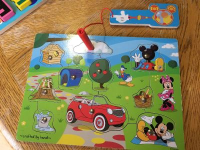 EUC Melissa & Doug Wooden Mickey Mouse Clubhouse Magnetic Puzzle