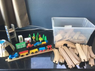 Wooden Thomas the Train Track Lot
