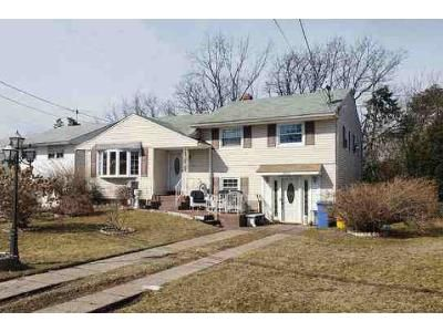 3 Bed 1.5 Bath Foreclosure Property in Pennsauken, NJ 08110 - Caverow Ave