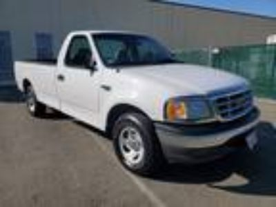 1999 Ford F-150 Long Bed White,