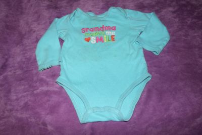 """Carter's Size 18 Months """"Grandma makes me smile"""" Embroidered Long Sleeve Onesie"""