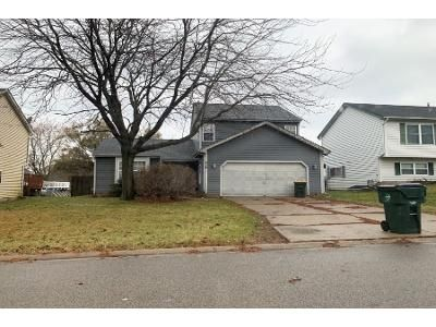 3 Bed 1.5 Bath Preforeclosure Property in Round Lake, IL 60073 - N Colony Dr