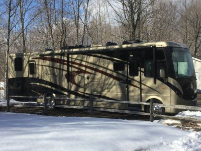 2009 Newmar Canyon Star 3920