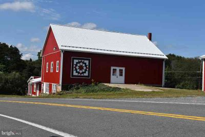 9455 Lincoln Hwy Mcconnellsburg One BR, 175 acre farm ,large