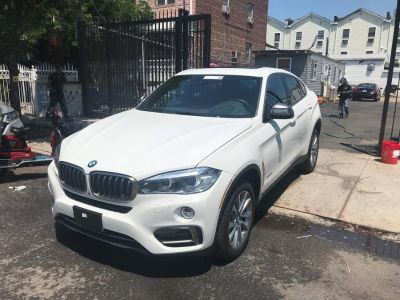 2017 BMW X6 xDrive35i Sports Activity Coup (Alpine White)