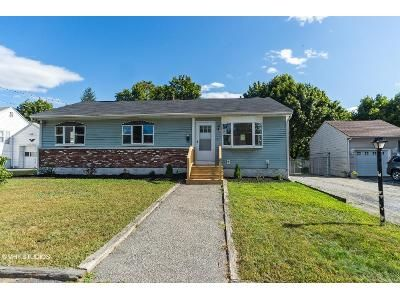 3 Bed 2 Bath Foreclosure Property in Lowell, MA 01851 - Carroll Pkwy