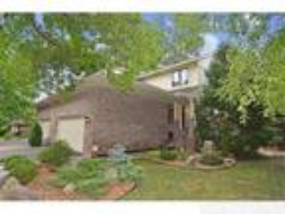 The Best Value in Wayzata - Four BR Four BA Town Home Only $136/Sf