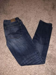 Women s American Eagle skinny jeans size 6 Moving Sale!