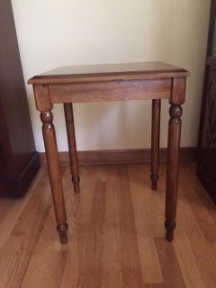 TALL SOLID WOOD END TABLE - EXCELLENT CONDITION!
